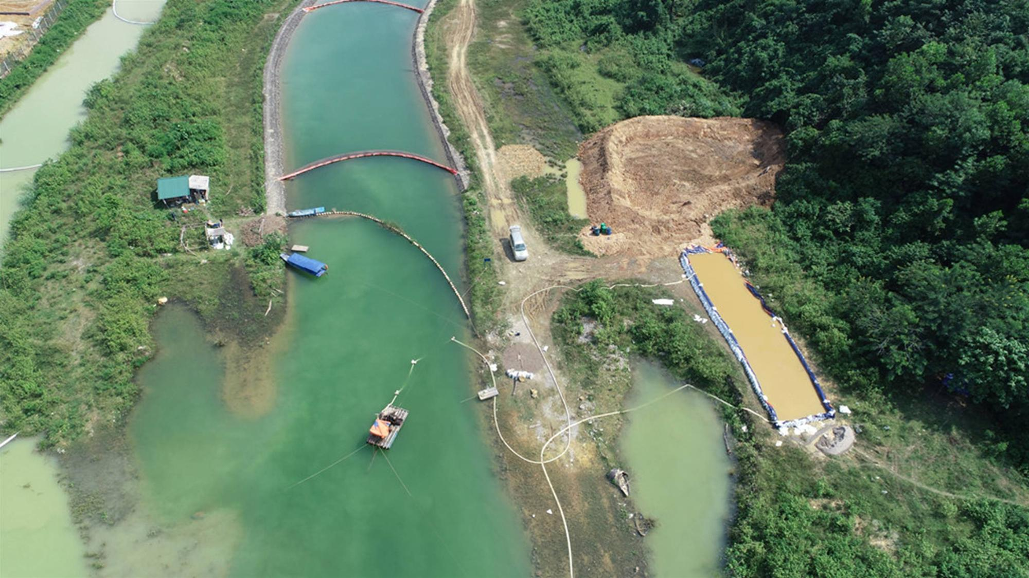 Quá trình xử lý dầu thải ở đầu nguồn nước sông Đà-4