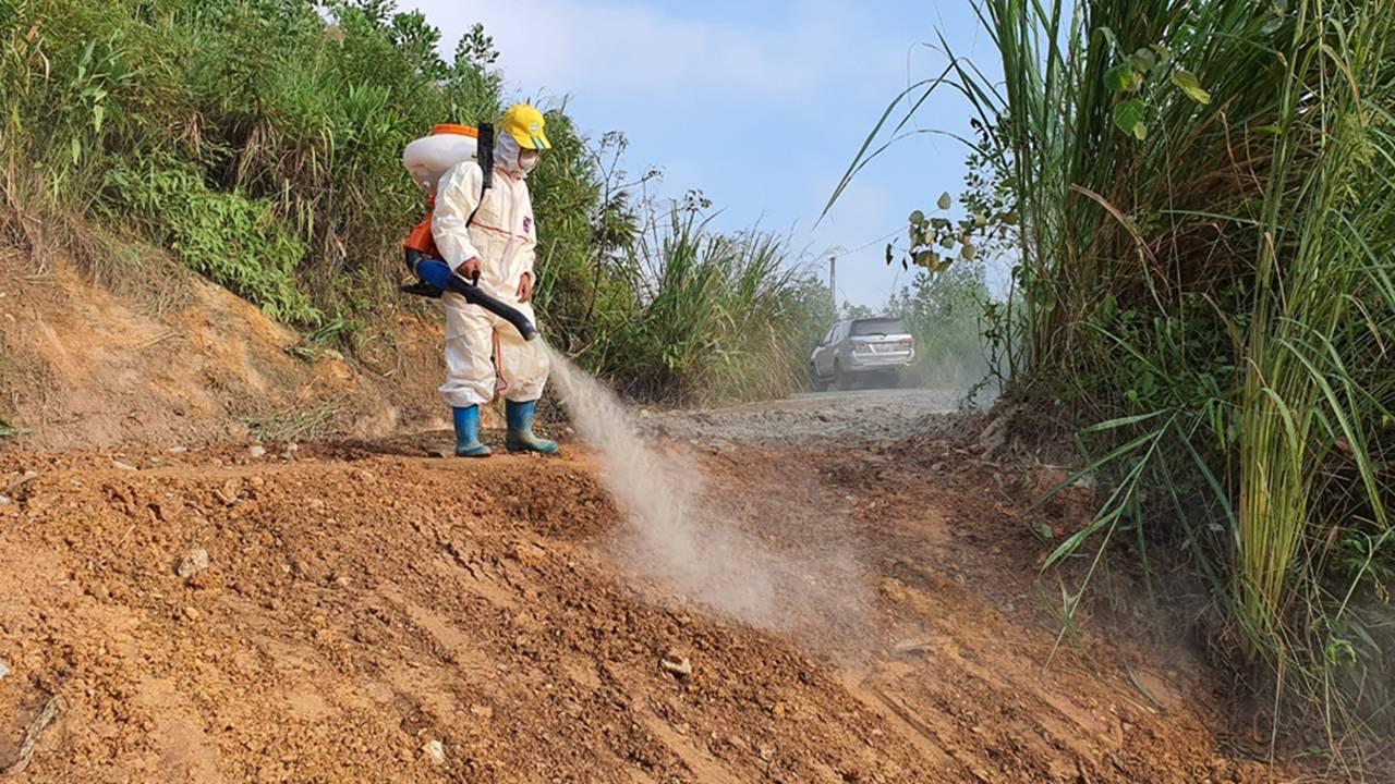 Quá trình xử lý dầu thải ở đầu nguồn nước sông Đà-6