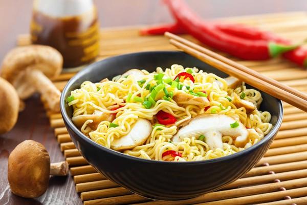 Cảnh báo của UNICEF dành riêng cho trẻ em Đông Nam Á liên quan tới ăn mì ăn liền-1