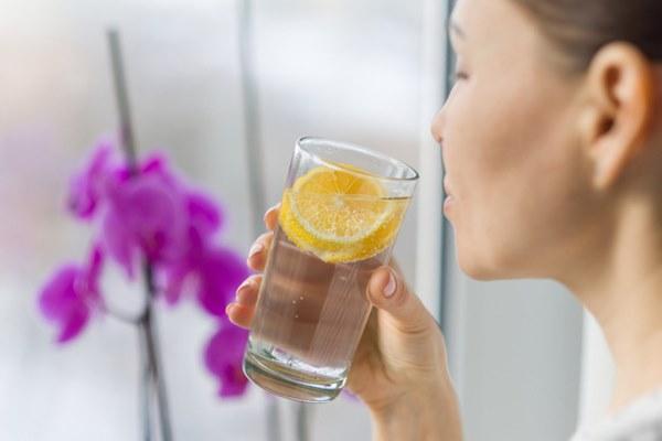 Dùng loại cốc uống nước này thường xuyên, cơ thể bạn không khác gì nạp và tích tụ thuốc độc mãn tính!-4