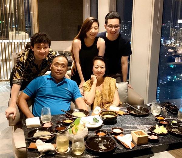 Netizen liên tục thắc mắc vì Hari Won lần đầu vắng mặt trong tiệc sinh nhật mẹ Trấn Thành-2