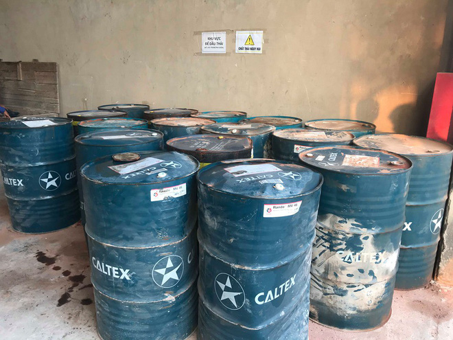 Cận cảnh nơi lưu giữ dầu thải bị tuồn ra đầu độc nước sông Đà của Công ty gốm sứ Thanh Hà-8