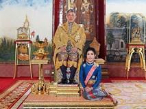 Hoàng quý phi Thái Lan mắc bẫy tranh chỗ ngồi cạnh nhà vua?