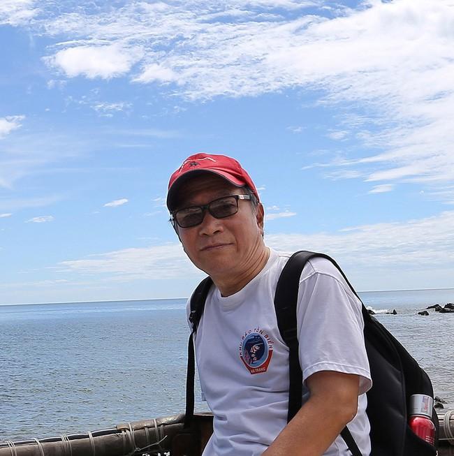 Chuyên gia môi trường giải thích nghi vấn dầu thải bám đầy trong đáy các bể nước Hà Nội: Chưa chắc đã là dầu bẩn-1