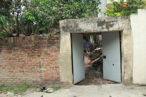 """Xót xa cụ bà 75 tuổi nuôi cả gia đình bị tâm thần và thiểu năng trí tuệ ở Vĩnh Phúc: Tôi khuất núi không biết các cháu sẽ ra sao""""-1"""
