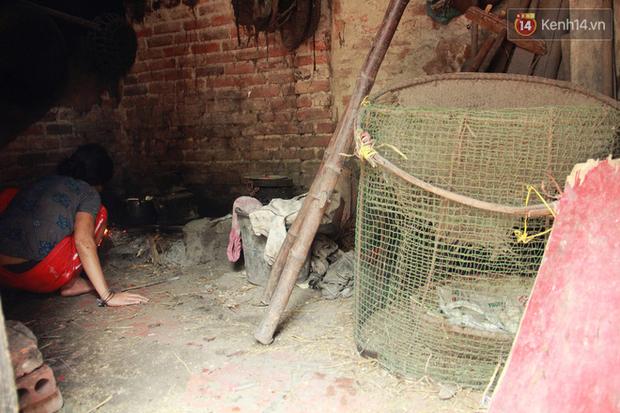 """Xót xa cụ bà 75 tuổi nuôi cả gia đình bị tâm thần và thiểu năng trí tuệ ở Vĩnh Phúc: Tôi khuất núi không biết các cháu sẽ ra sao""""-4"""