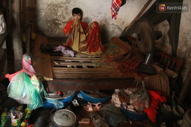 """Xót xa cụ bà 75 tuổi nuôi cả gia đình bị tâm thần và thiểu năng trí tuệ ở Vĩnh Phúc: Tôi khuất núi không biết các cháu sẽ ra sao""""-7"""