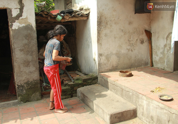 """Xót xa cụ bà 75 tuổi nuôi cả gia đình bị tâm thần và thiểu năng trí tuệ ở Vĩnh Phúc: Tôi khuất núi không biết các cháu sẽ ra sao""""-11"""