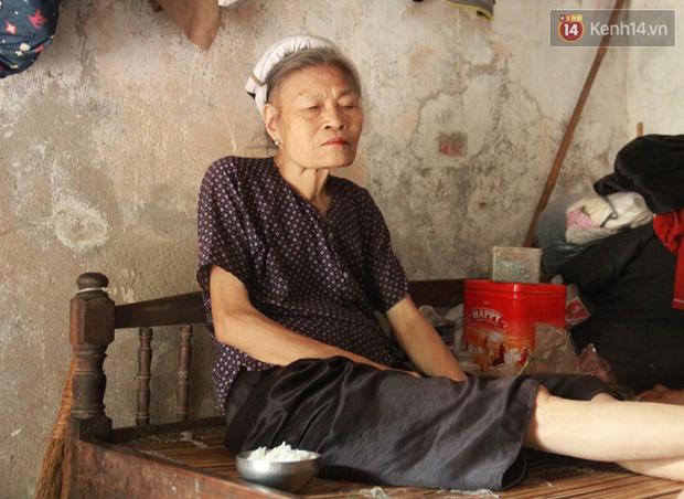 """Xót xa cụ bà 75 tuổi nuôi cả gia đình bị tâm thần và thiểu năng trí tuệ ở Vĩnh Phúc: Tôi khuất núi không biết các cháu sẽ ra sao""""-16"""