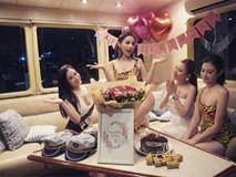 Đẳng cấp gia đình mỹ nhân: Từ U40 đến U30 đều diện bikini khoe dáng bốc lửa trên du thuyền mừng sinh nhật Huyền Baby