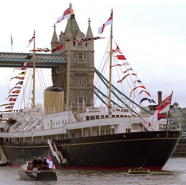 Lời nguyền trăng mật trên chiếc du thuyền sang trọng bậc nhất hoàng gia: 4 cặp đôi đều tan nát gia đình, trong đó có 3 người con của Nữ hoàng Anh-1
