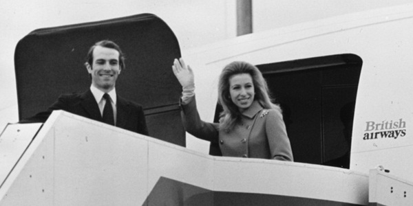 Lời nguyền trăng mật trên chiếc du thuyền sang trọng bậc nhất hoàng gia: 4 cặp đôi đều tan nát gia đình, trong đó có 3 người con của Nữ hoàng Anh-5