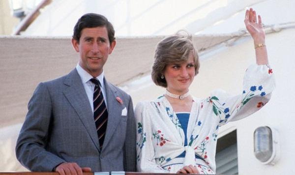 Lời nguyền trăng mật trên chiếc du thuyền sang trọng bậc nhất hoàng gia: 4 cặp đôi đều tan nát gia đình, trong đó có 3 người con của Nữ hoàng Anh-6