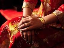Hàng xóm nô nức chờ đám cưới, nhưng chú rể bất ngờ quay về một mình, hỏi ra mới biết hành động quá đáng của cô dâu và gia đình