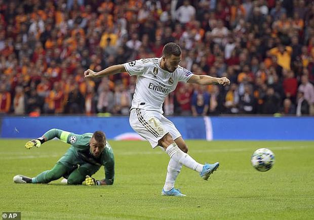 Sao 100 triệu euro của Real Madrid tự biến mình trở thành trò cười với pha bỏ lỡ của mùa giải-3