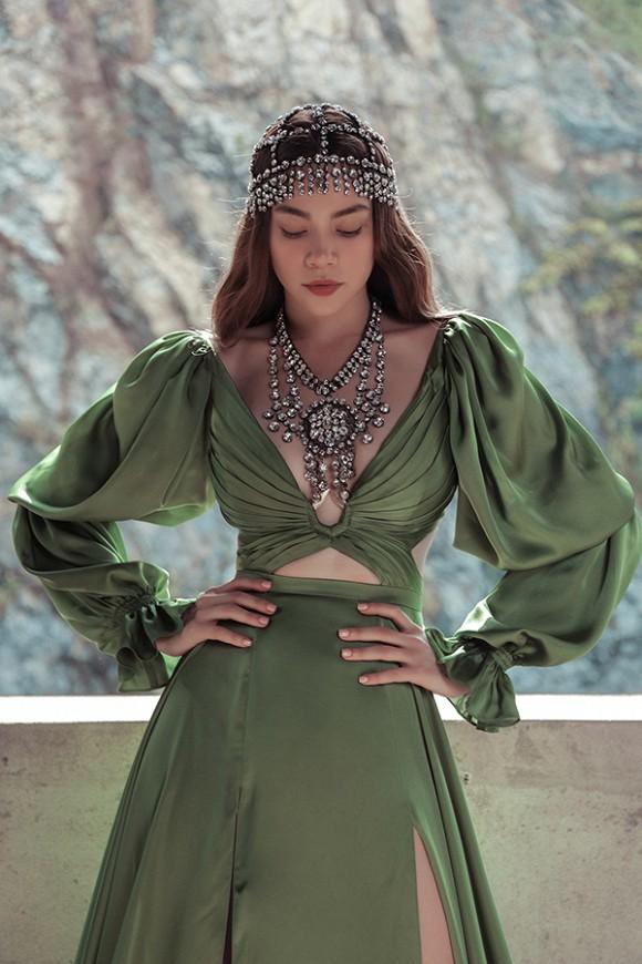 Hồ Ngọc Hà hé lộ hình ảnh đậm chất nữ hoàng u sầu-6