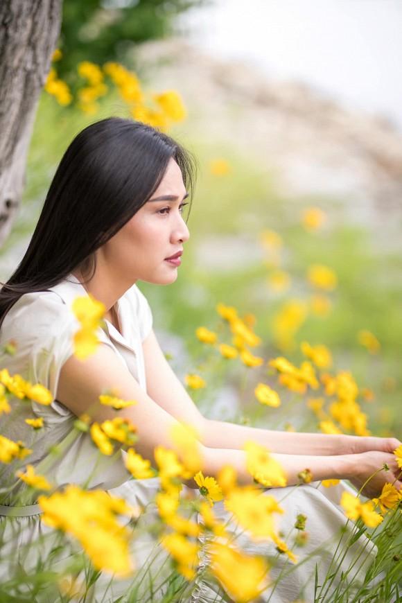 Hoa hậu Dương Mỹ Linh khoe nụ cười như toả nắng giữa trời thu Nhật Bản mộng mơ-4