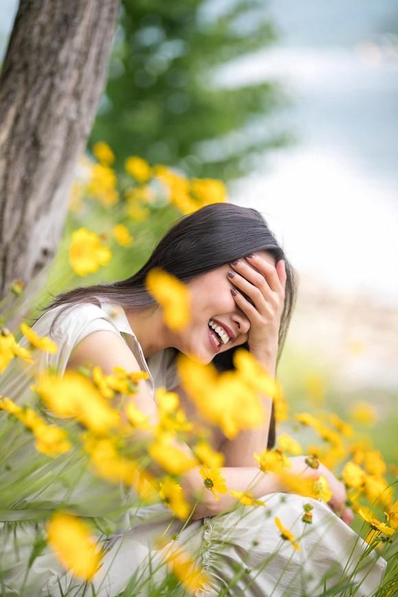 Hoa hậu Dương Mỹ Linh khoe nụ cười như toả nắng giữa trời thu Nhật Bản mộng mơ-9