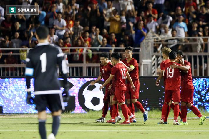 UAE mời 5 đội bóng mạnh đến cùng luyện công để chuẩn bị đấu ĐT Việt Nam-2