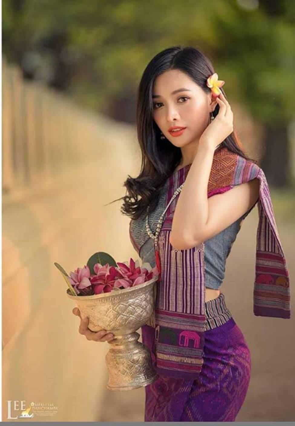 2 cô gái Lào đẹp tuyệt sắc giai nhân: Có người mang dòng máu Việt-12