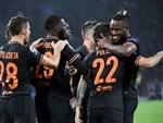 2 cầu thủ nhận thẻ đỏ ở Champions League vì ăn mừng quá khích-2