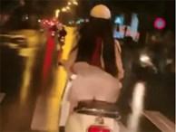 Clip: Gió tốc bay váy lộ cả nội y cùng vòng 3 phản cảm, cô gái vẫn thản nhiên chạy xe máy trên đường