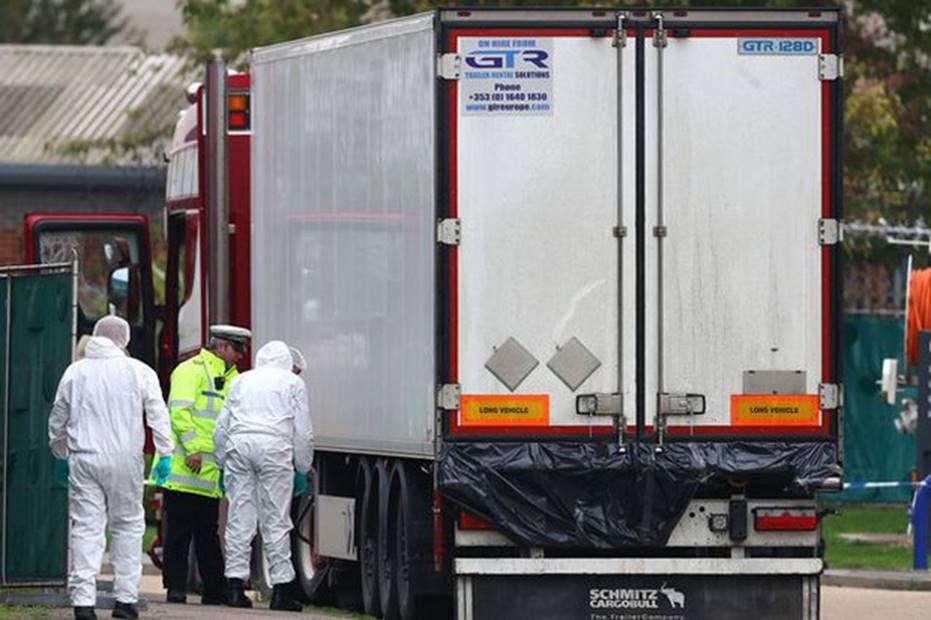 Vụ 39 thi thể trong container gây chấn động Anh: Nạn nhân đã chết ít nhất 12 tiếng, tài xế suýt ngất khi phát hiện thảm kịch-2