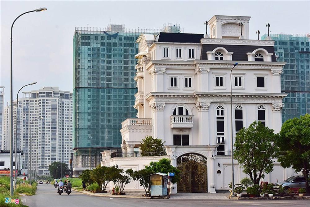 Biệt thự tráng lệ của Lý Nhã Kỳ bên sông Sài Gòn-2