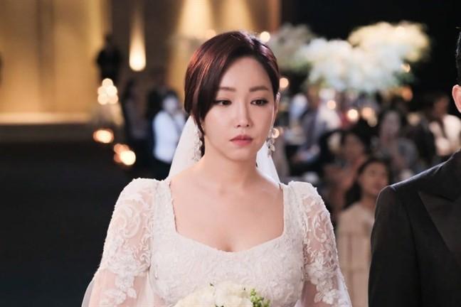 Mẹ chồng không trao vàng, đám cưới tổ chức sơ sài khiến bố cô dâu cũng chạnh lòng nhưng ngày lại mặt mẹ chồng bỗng tuyên bố sốc-1