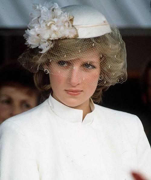 Bí quyết dưỡng da đơn giản đến ngỡ ngàng của những nàng dâu đẹp nhất Hoàng gia Anh-1