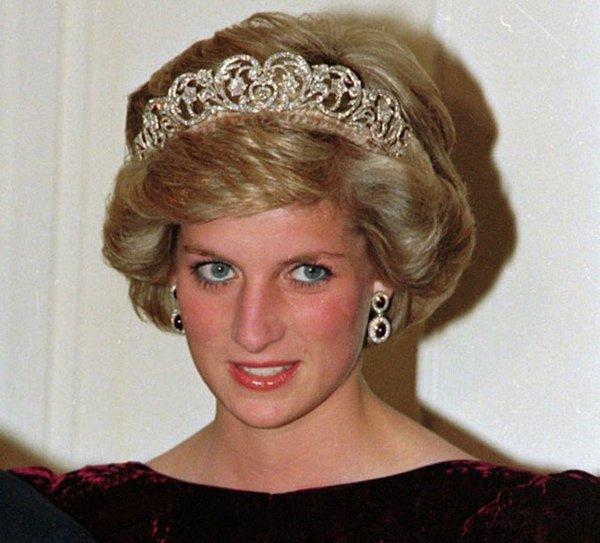 Bí quyết dưỡng da đơn giản đến ngỡ ngàng của những nàng dâu đẹp nhất Hoàng gia Anh-3