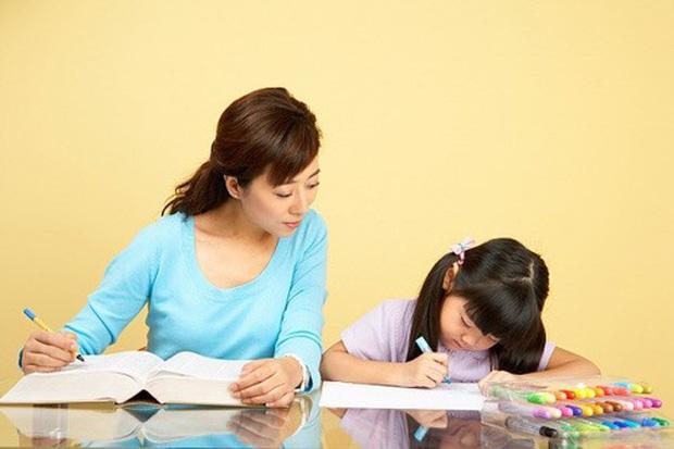 """Những bí quyết giúp cha mẹ không còn phát điên"""" khi dạy con học bài, toàn điều đơn giản nhưng đem lại hiệu quả bất ngờ!-2"""