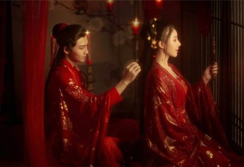 Ngượng ngùng chuyện phòng the khiến các cô dâu thời xưa phải đỏ mặt xin chỉ giáo mẹ đẻ-1