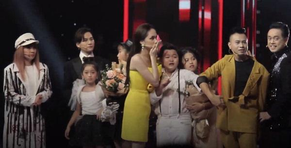 The Voice Kids công bố nhầm quán quân: MC Nguyên Khang bị chỉ trích dữ dội, nghi vấn sắp xếp kết quả lộ liễu-2