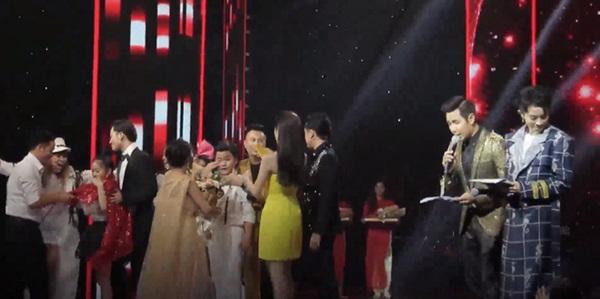 The Voice Kids công bố nhầm quán quân: MC Nguyên Khang bị chỉ trích dữ dội, nghi vấn sắp xếp kết quả lộ liễu-3