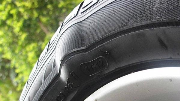 Lốp chửa nếu không khắc phục có thể gây nguy hiểm chết người-1