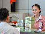 Lương nhân viên ngân hàng quá hot, mỗi tháng 1 lượng vàng ăn tiêu-3