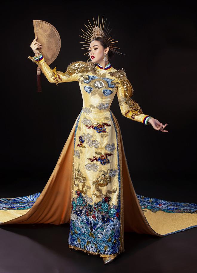 Vừa sang Nhật thi Miss International, Tường San đã tiết lộ hẳn 2 bộ áo dài cực kỳ hoành tráng để thi Quốc phục-2