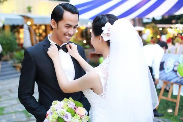 Vợ cố người mẫu Duy Nhân bật khóc vì bị chỉ trích 'cưới chạy bầu'-2