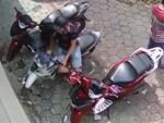 Mặc quần áo bảo vệ bẻ khóa xe máy ở TP.HCM-1