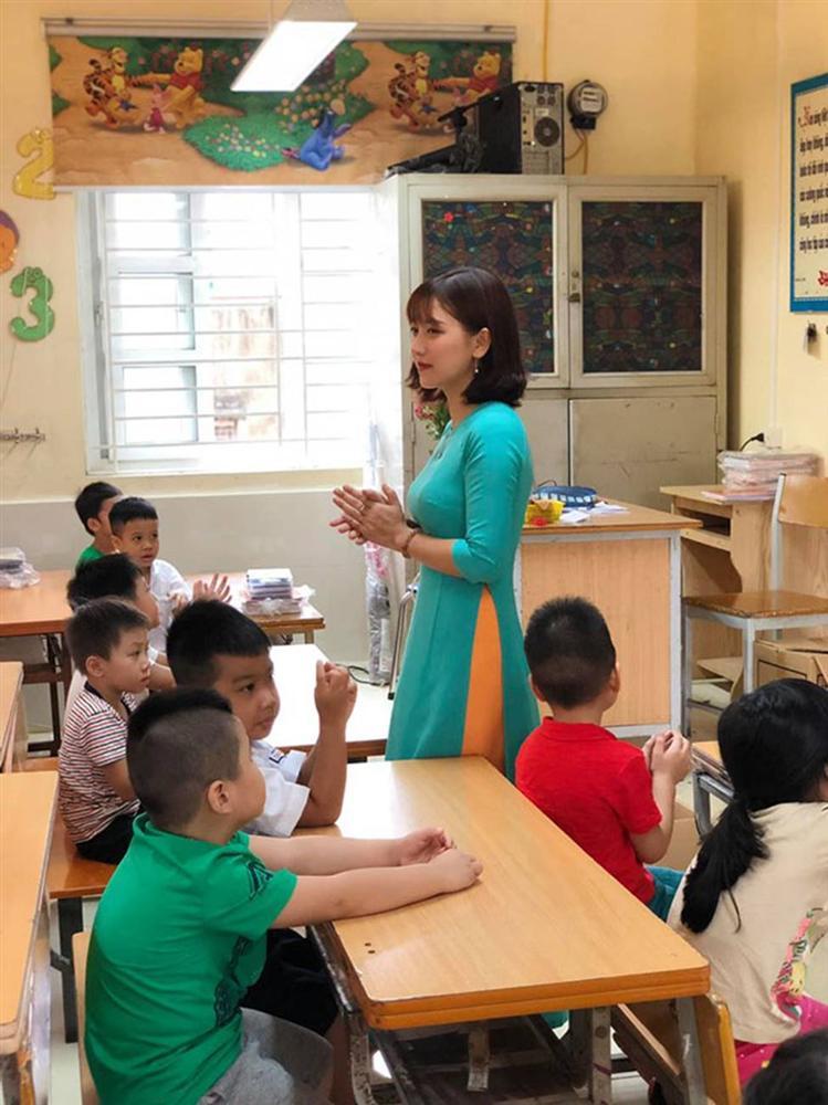 3 cô giáo trẻ khiến học sinh muốn tới lớp mỗi ngày vì quá xinh đẹp-10