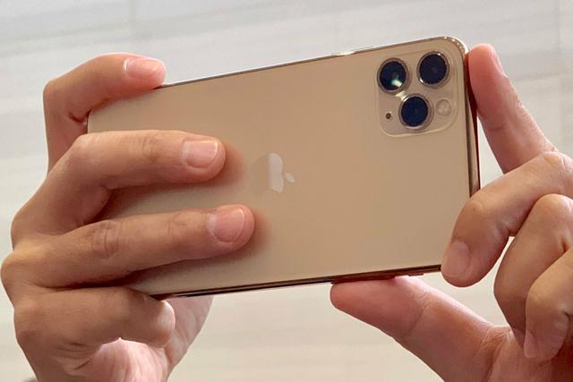 iPhone 11 chính hãng đã về kho, sẵn sàng bán ra-1