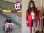 Cảnh sát tìm thấy... 12 chai dầu gội đầu từ quần và áo ngực của người phụ nữ chuyên trộm cắp trong siêu thị-4