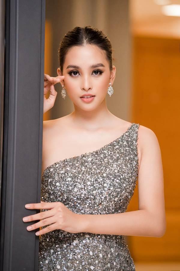 Xinh đẹp tựa nữ thần, Tiểu Vy đánh bật dàn sao đình đám giành giải Best Dress-2