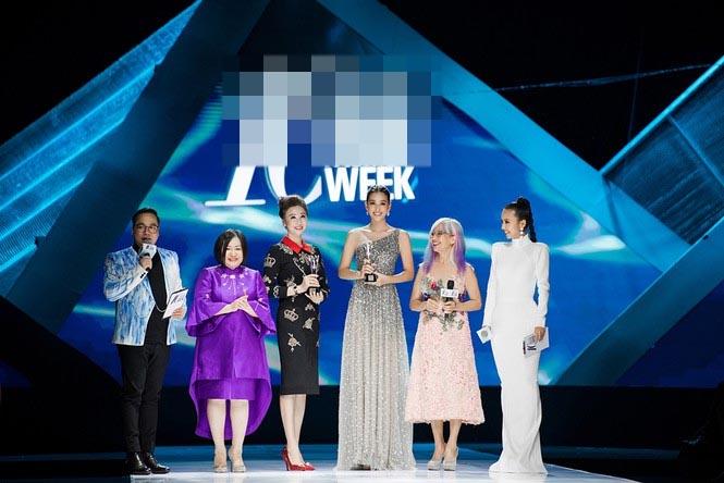 Xinh đẹp tựa nữ thần, Tiểu Vy đánh bật dàn sao đình đám giành giải Best Dress-14