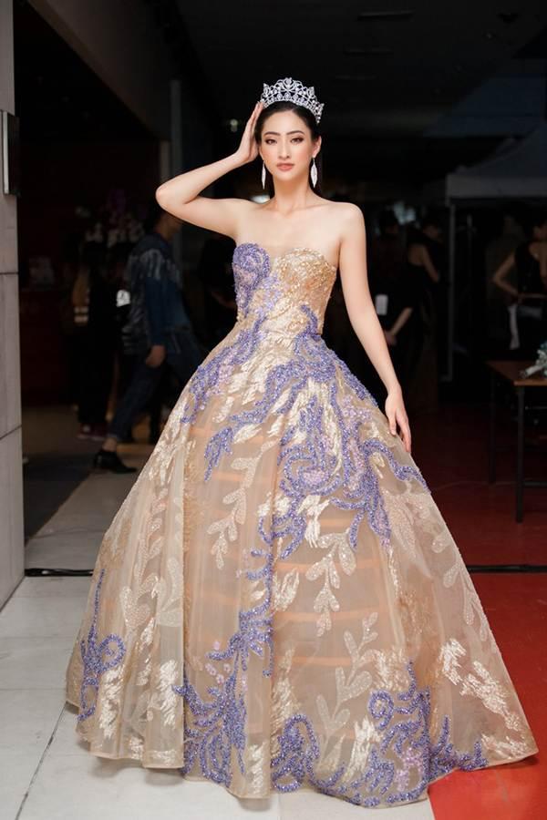 Xinh đẹp tựa nữ thần, Tiểu Vy đánh bật dàn sao đình đám giành giải Best Dress-10