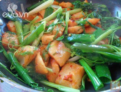 Gái một con Vân Trang vào bếp làm món đặc biệt, tá hoả với bình luận của chồng thiếu gia-13