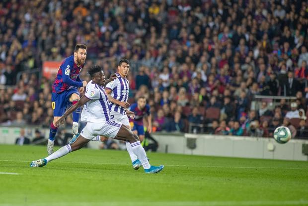 Messi tạo khoảnh khắc thiên tài, Barca đại thắng ở vòng 11 La Liga-8
