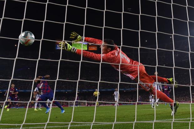 Messi tạo khoảnh khắc thiên tài, Barca đại thắng ở vòng 11 La Liga-5