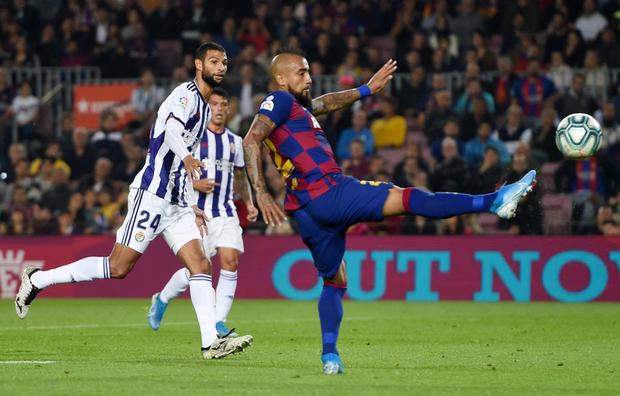 Messi tạo khoảnh khắc thiên tài, Barca đại thắng ở vòng 11 La Liga-4
